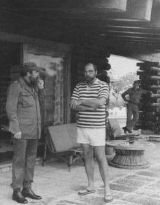 Smith tijdens een informele ontmoeting met Fidel Castro