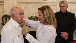 CUBA-LA HABANA-ASISTEN MACHADO VENTURA Y DÍAZ-CANEL A CEREMONIA DE CONDECORACIÓN CON LA ORDEN CARLOS J. FINLAY