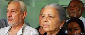 Vladimiro Roca, Marta Beatriz Roque y Félix Bonne, autores con René Gómez Manzano del documento La Patria es de Todos 1997